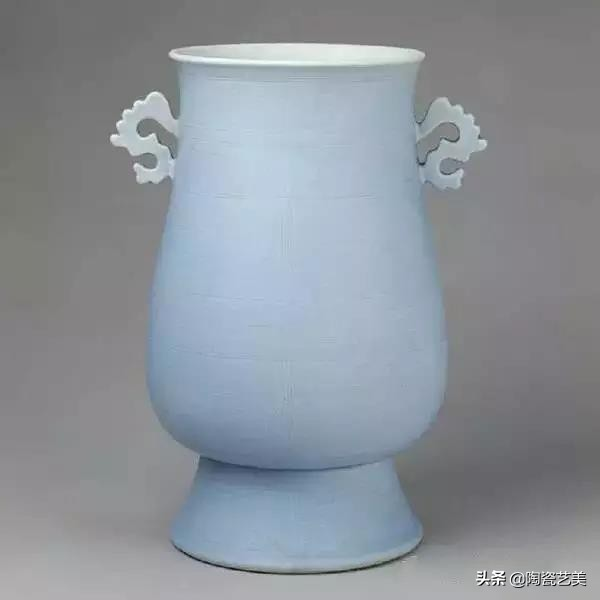 """Antique Porcelain: """"Gold in time of difficulty, Tibetan porcelain in flourishing age"""""""